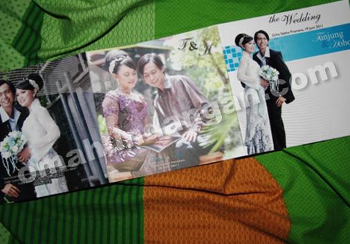 undangan pernikahan softcover 3 Undangan Black white [SC 09]