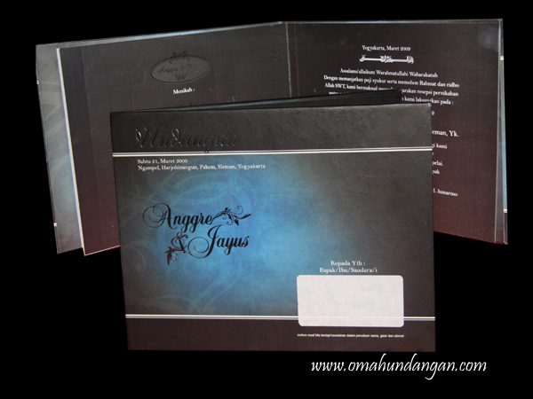undangan pernikahan hard cover hitam HC23 Undangan pernikahan hitam biru [HC 23]