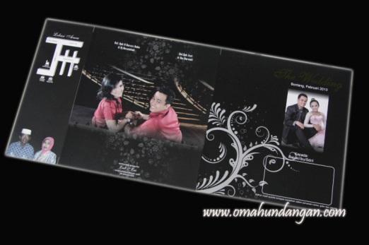 undangan pernikahan softcover hitam Undangan Pernikahan Hitam [SC 16]