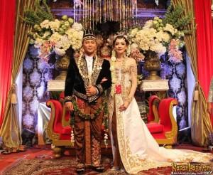pernikahan pangeran surakarta 300x246 Pernikahan Putra Pangeran Surakarta