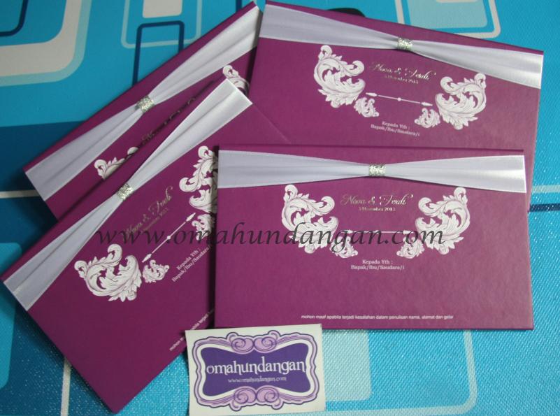 undangan hardcover ungu Undangan hardcover ungu pita [HC 29]
