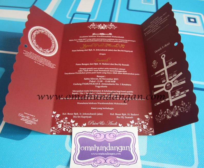 undangan pernikahan maroon Undangan pernikahan maroon dengan pita [SC 48]