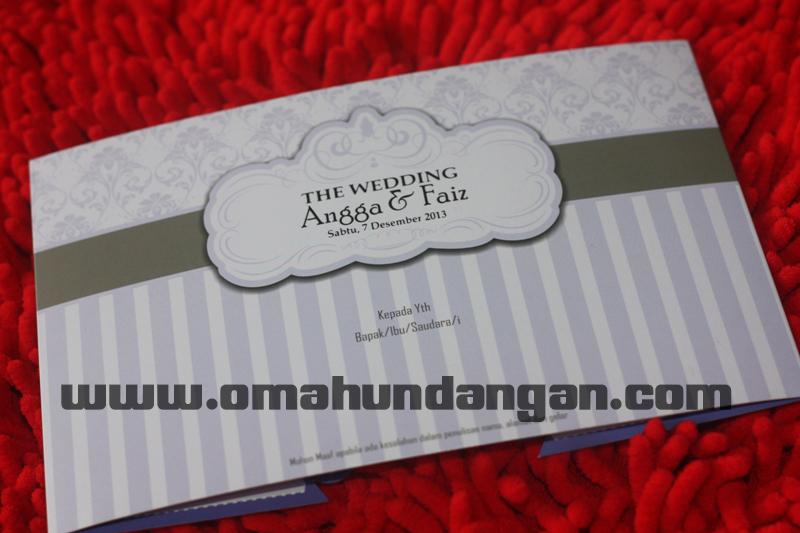 contoh undangan pernikahan ungu Undangan ungu softcover lucu [SC 56]