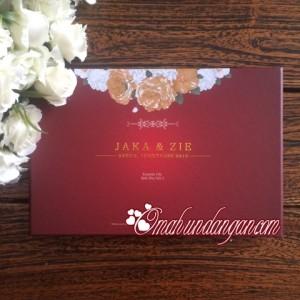 hardcover maroon 300x300 Undangan hardcover maroon hc39